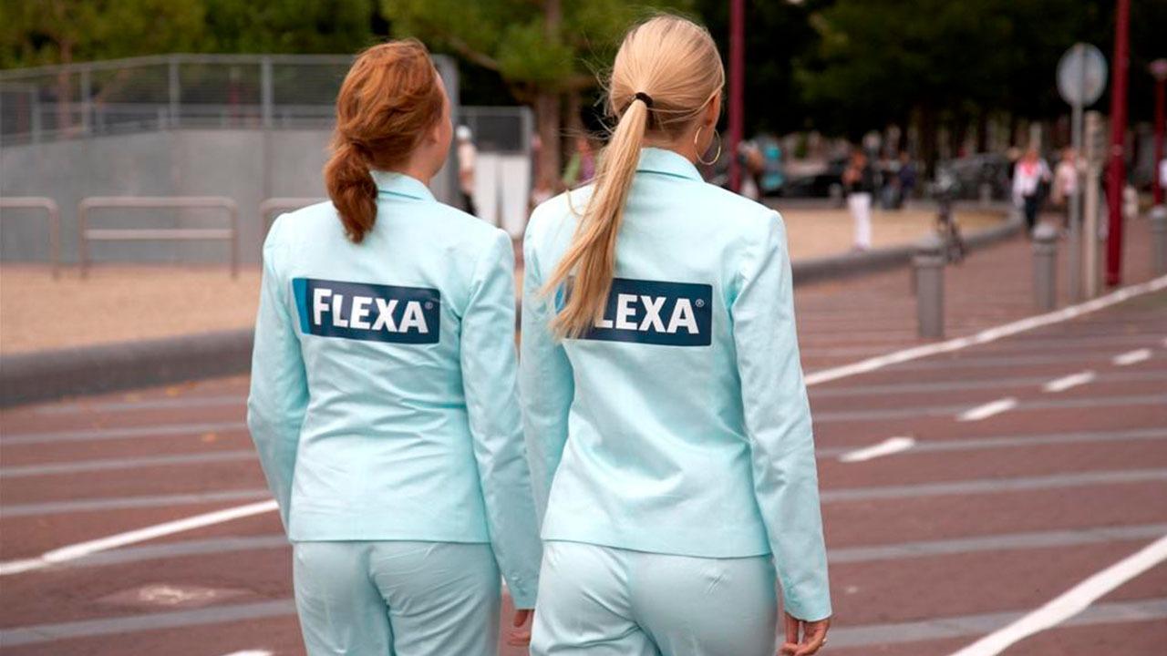 flexa-reuze-bril-guerilla-actie-merkactivatie