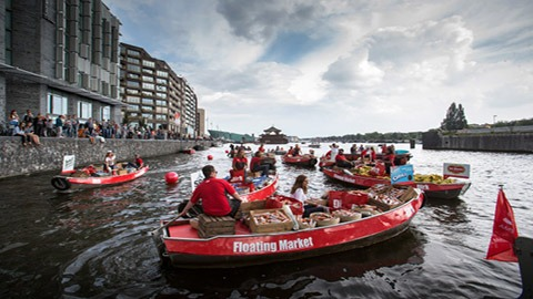dirk-floating-markt-sail-2015-guerilla-actie-brand-activation-pr-marketing