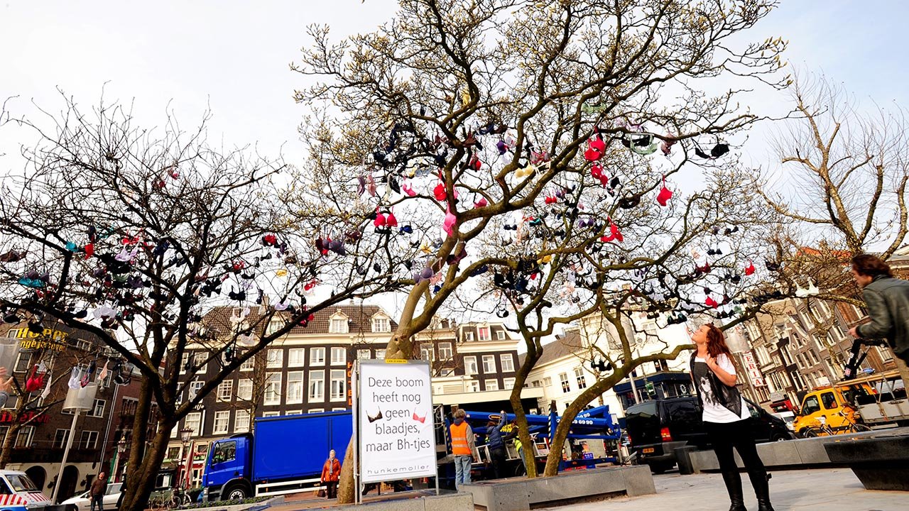 Hunkemoller-BH-Boom-pr-guerilla-marketing