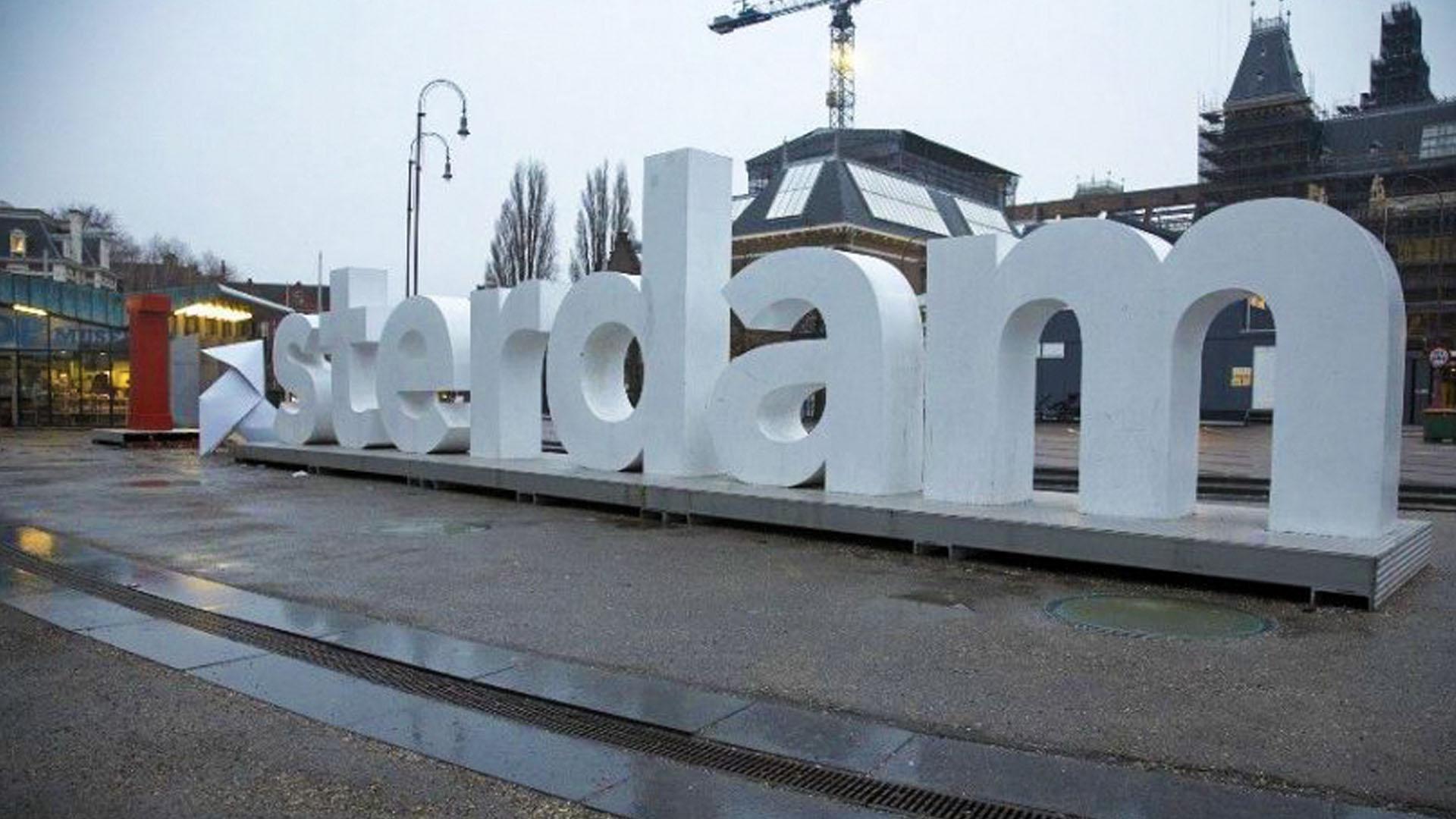 Playstation-Origami-I-Amsterdam-guerilla-actie
