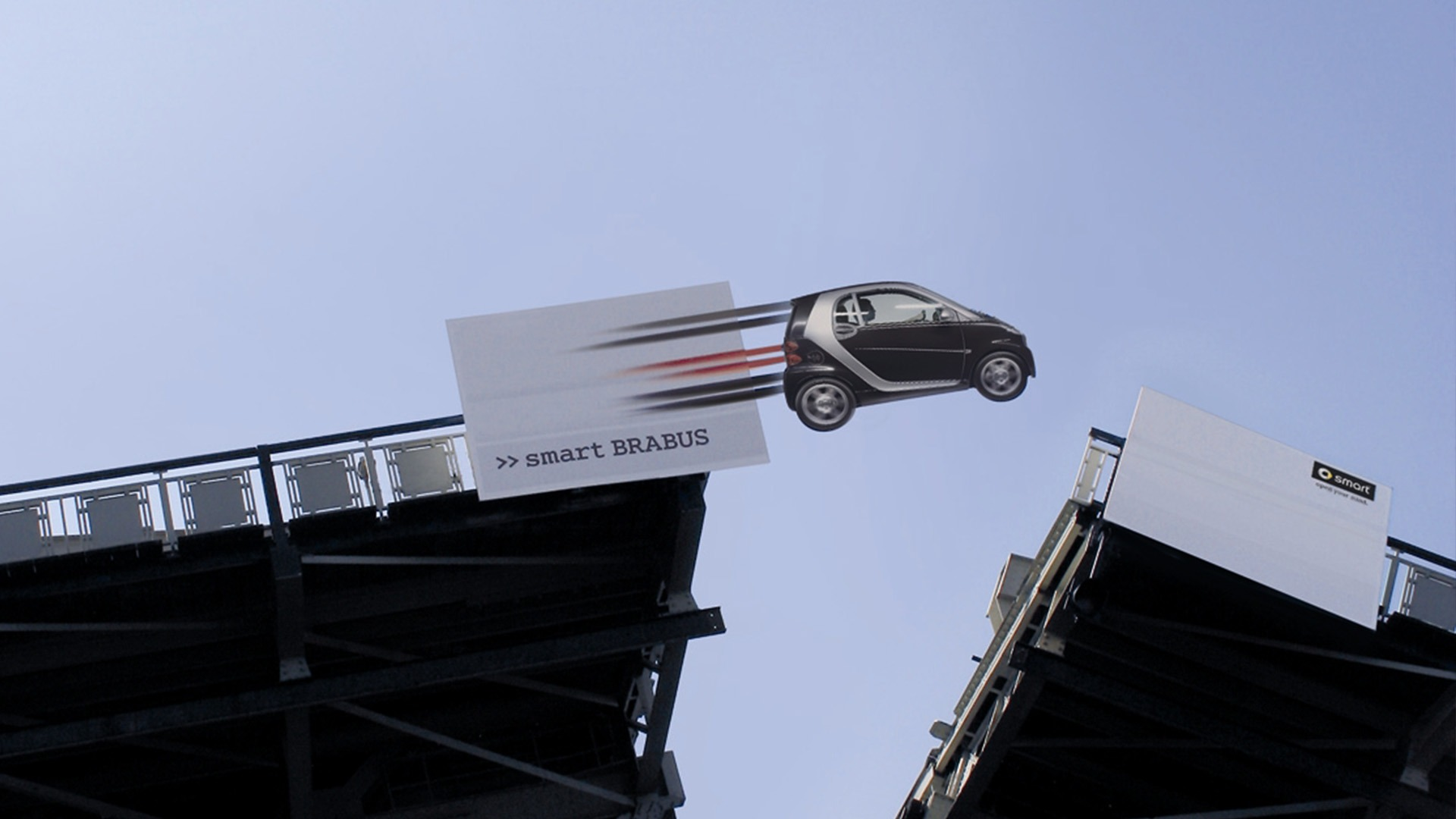 Smart-Koninginnebrug-PR-stunt