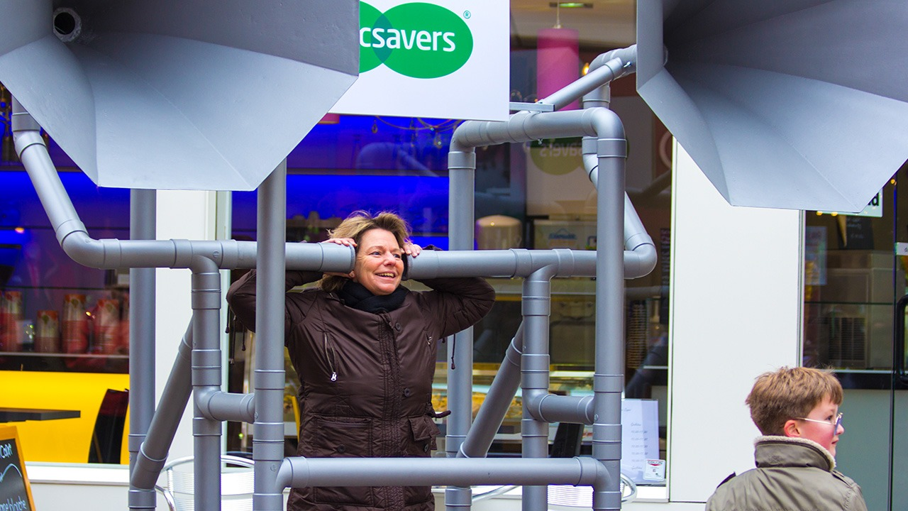 Specsavers-horen-guerilla-brand-activation